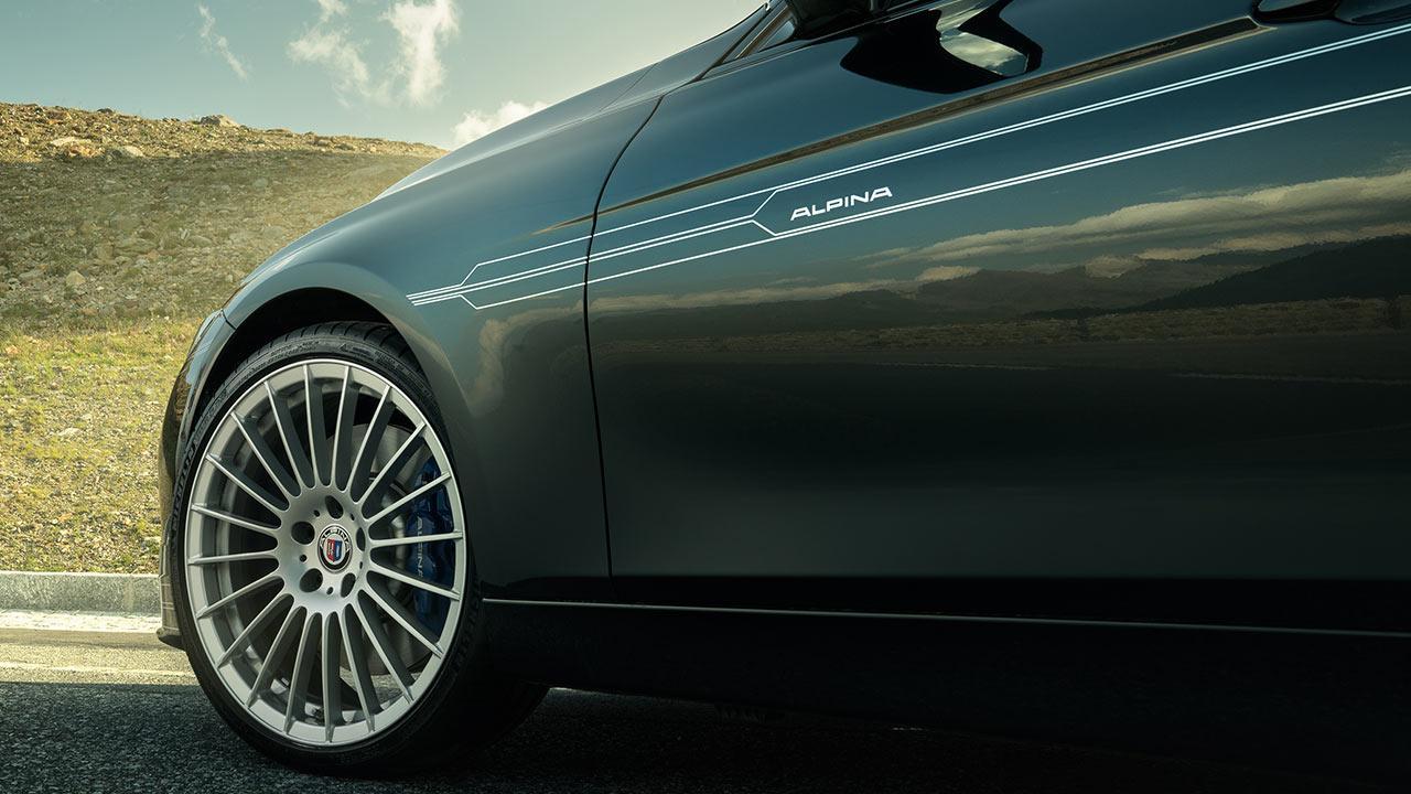 Alpina B3 S Bi-Turbo Limousine - seitlicher Logo Schriftzug