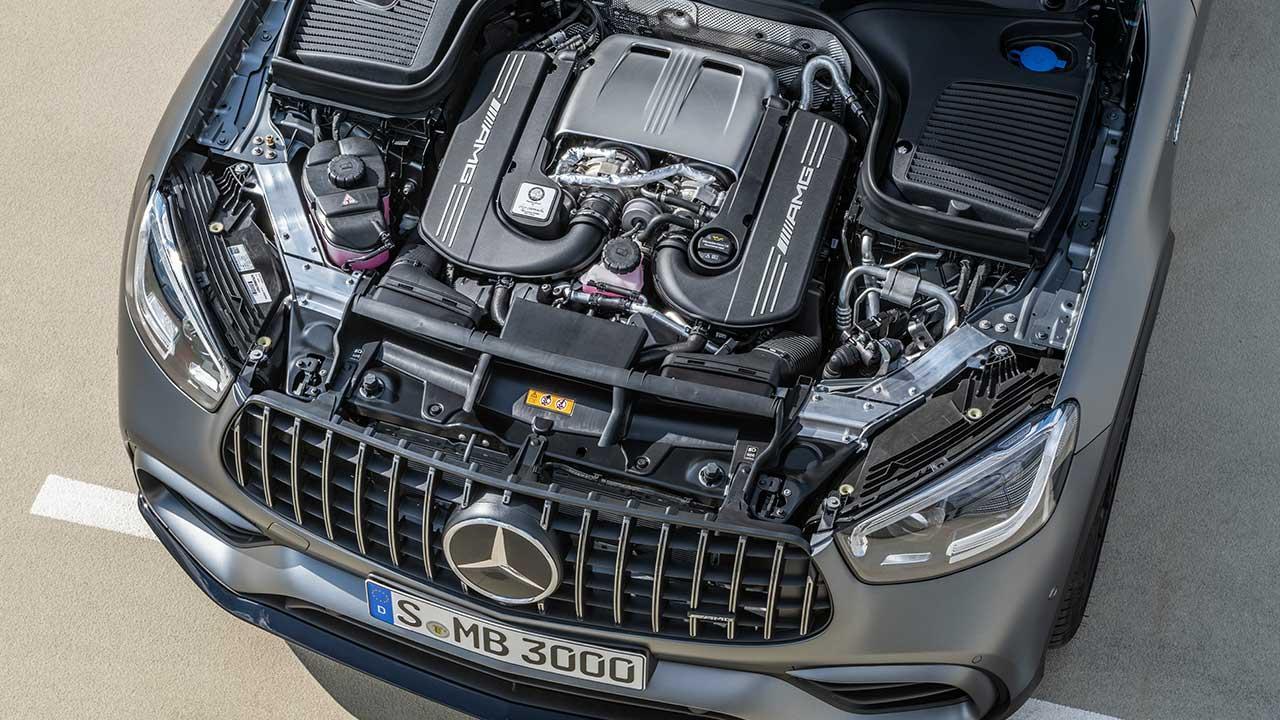 Mercedes-AMG GLC 63 Coupé - offene Motorhaube