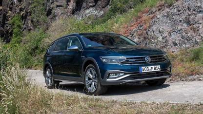 Volkswagen Passat Alltrack - in voller Fahrt