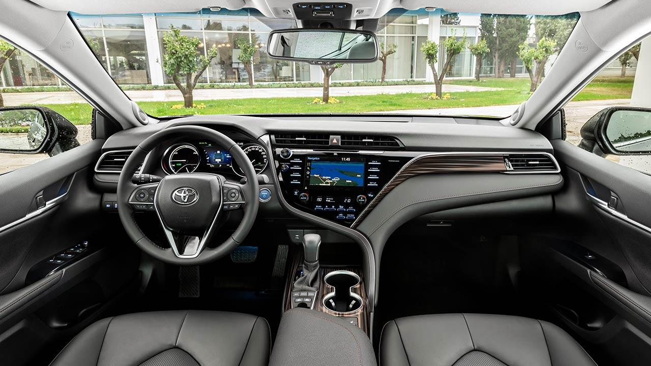 Toyota Camry - Cockpit