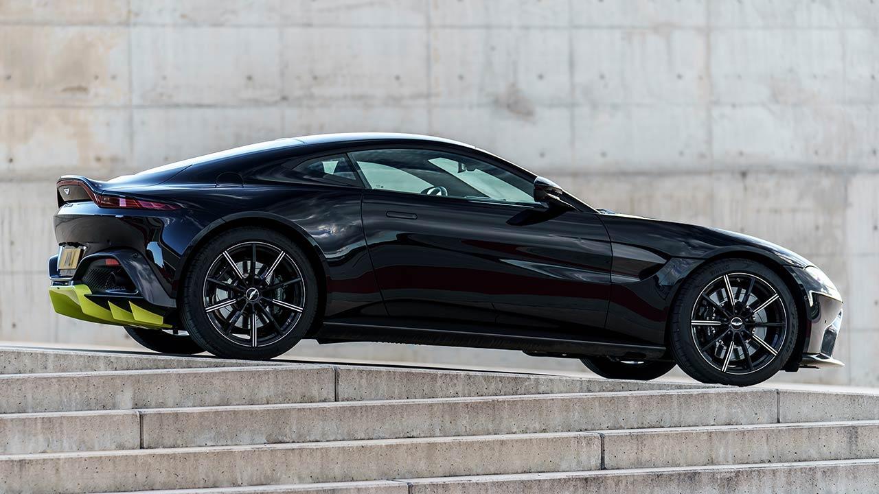 Aston Martin Vantage - Seitenansicht