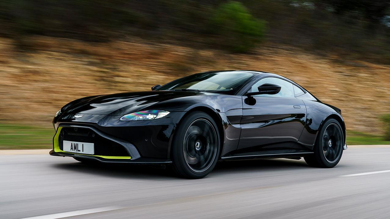 Aston Martin Vantage - auf der Landstraße