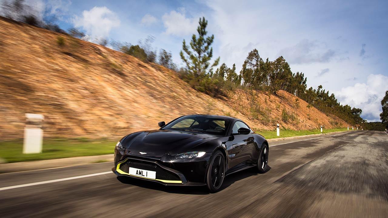 Aston Martin Vantage - Ausfahrt