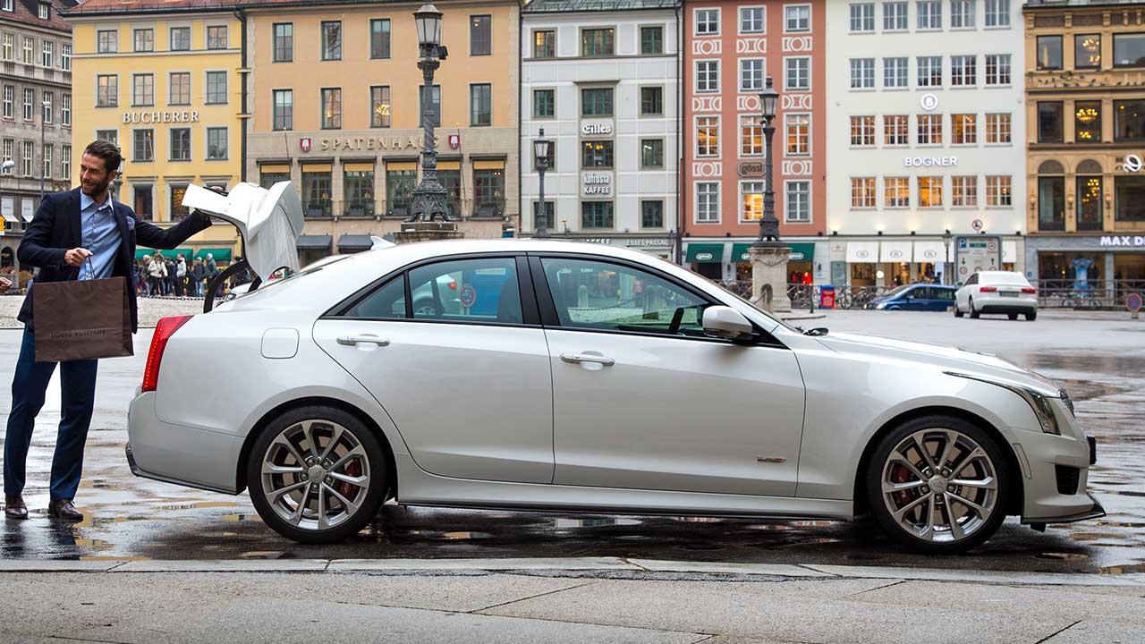 Cadillac ATS-V Limousine - Seitenansicht