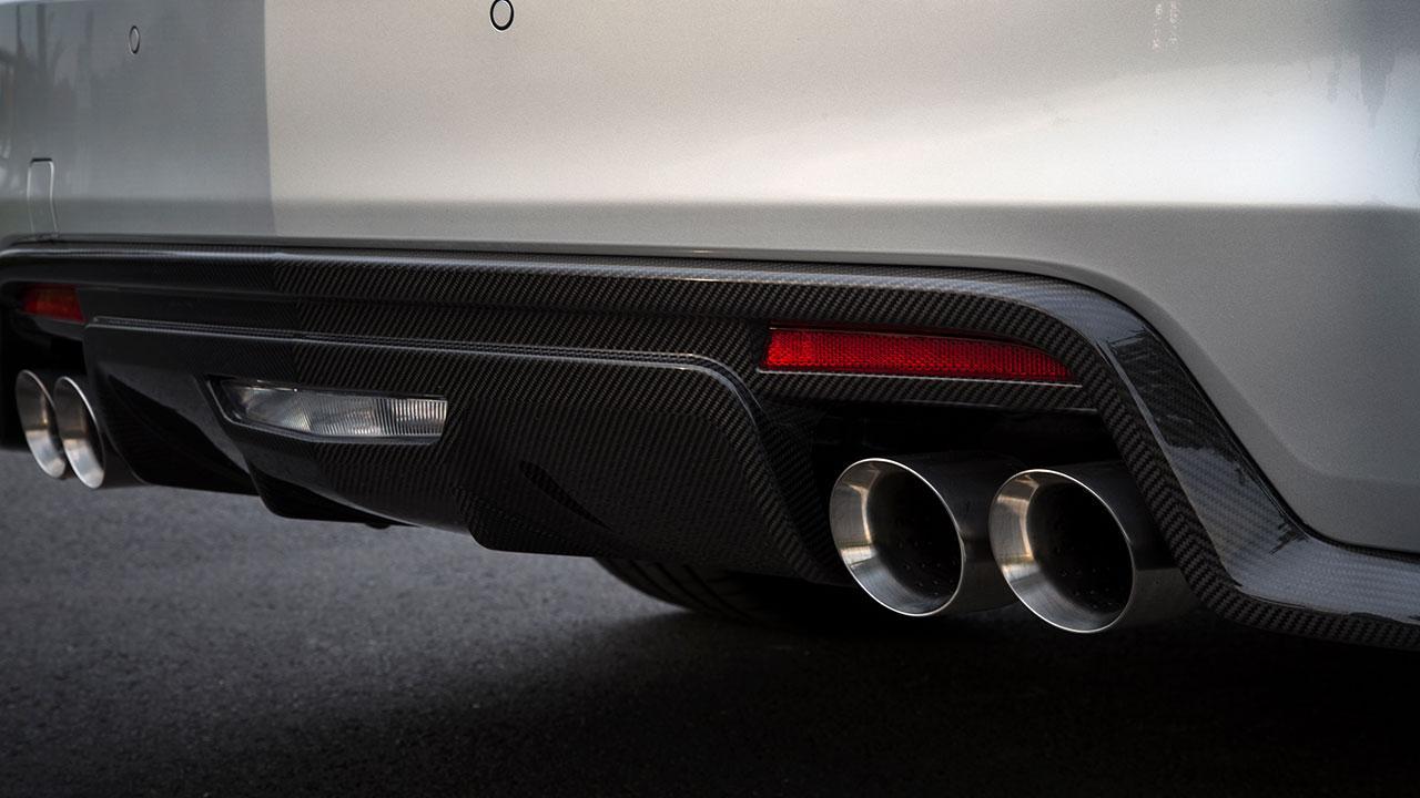 Cadillac CTS-V Limousine - Auspuff und Stoßstange