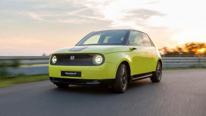 Honda e - in voller Fahrt