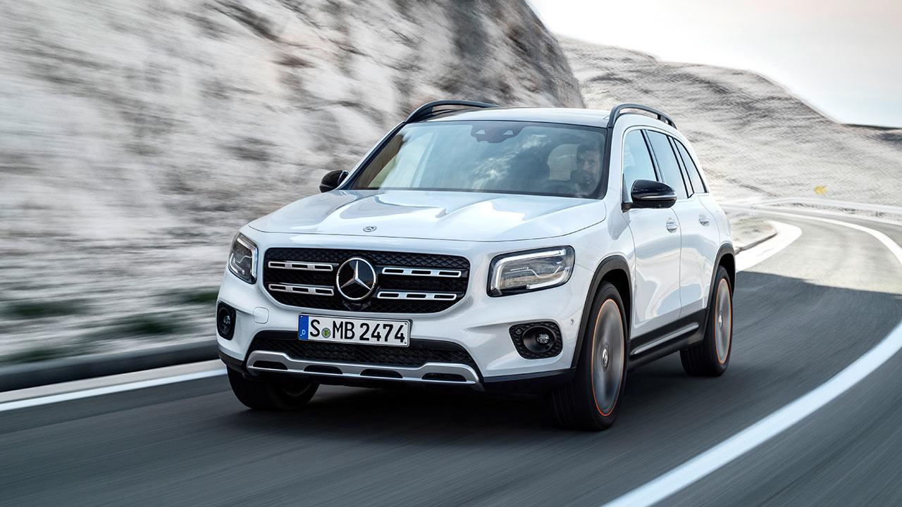 Mercedes-Benz GLB - in der Kurve