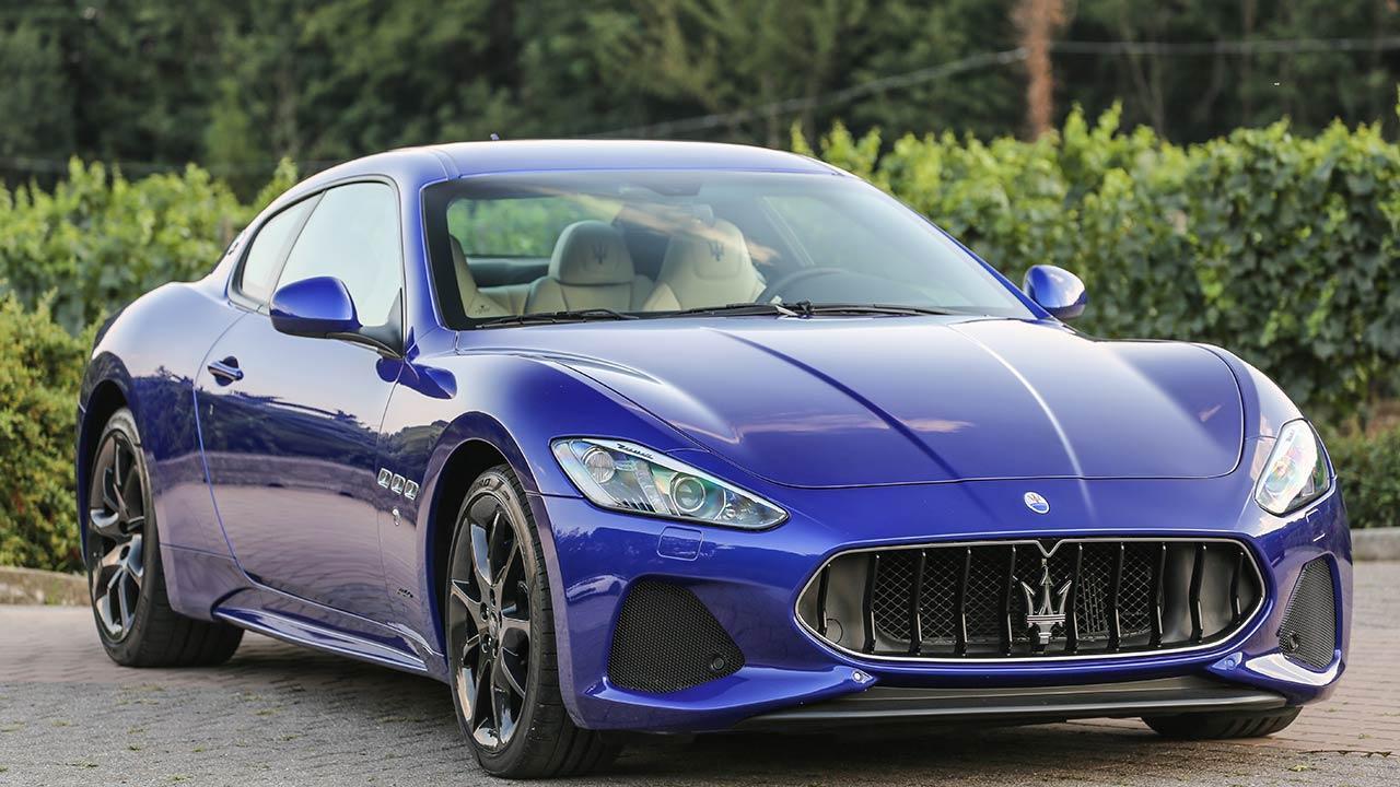 Maserati GranTurismo Sport - seitliche Frontansicht
