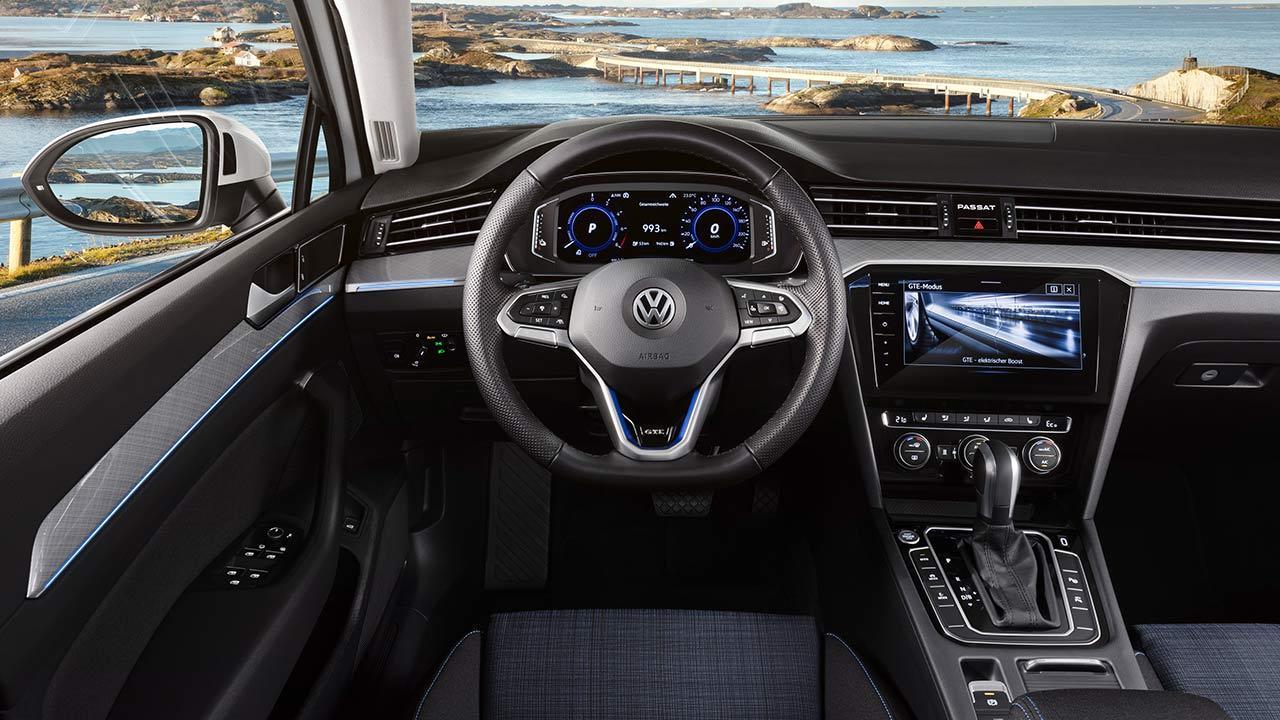 Volkswagen Passat GTE Variant - Cockpit