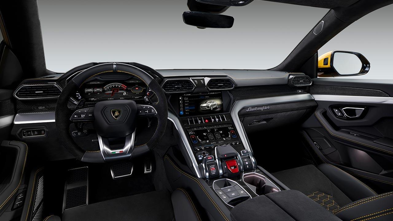 Lamborghini Urus - Cockpit