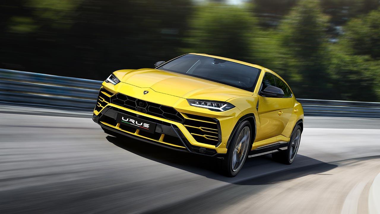 Lamborghini Urus - auf der Landstraße