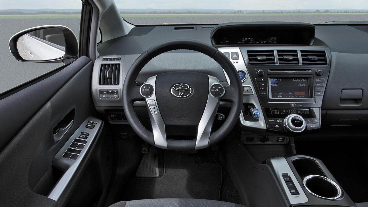 Toyota Prius Plus - Cockpit