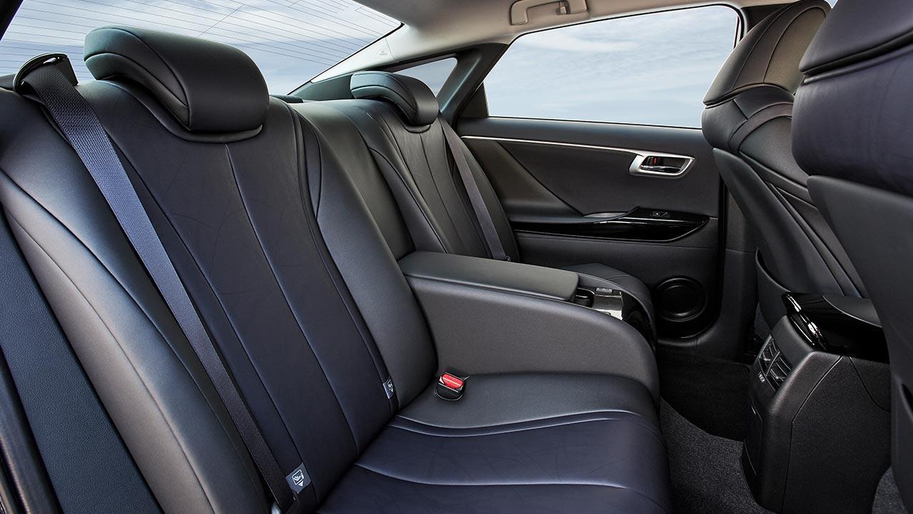 Toyota Mirai - Rücksitze