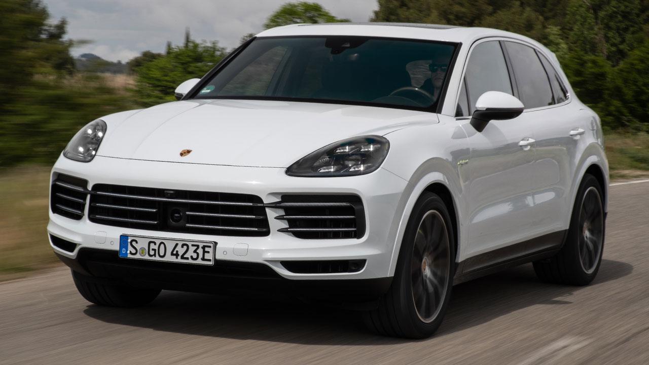 Porsche Cayenne E-Hybrid - in voller Fahrt