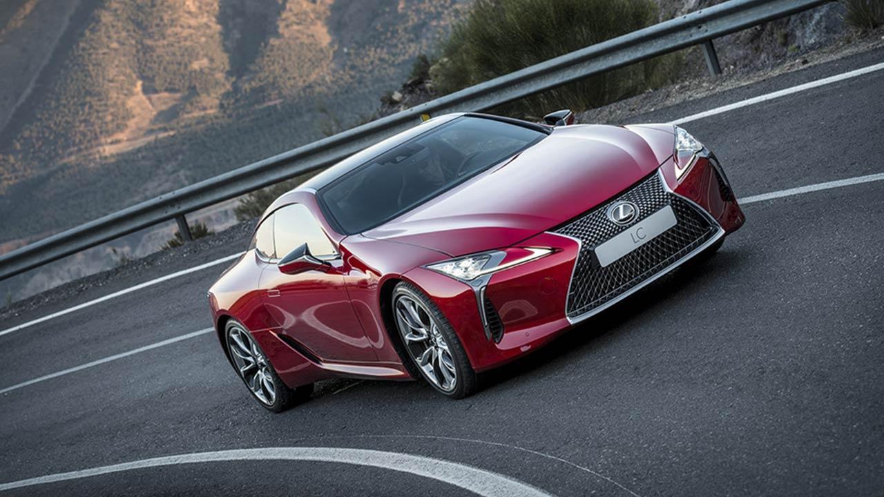 Lexus LC - in der Kurve