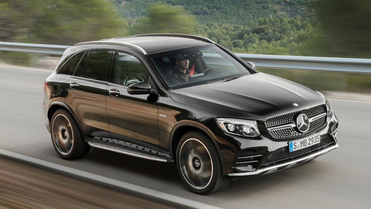 Mercedes-AMG GLC 43 4MATIC SUV  - in voller Fahrt