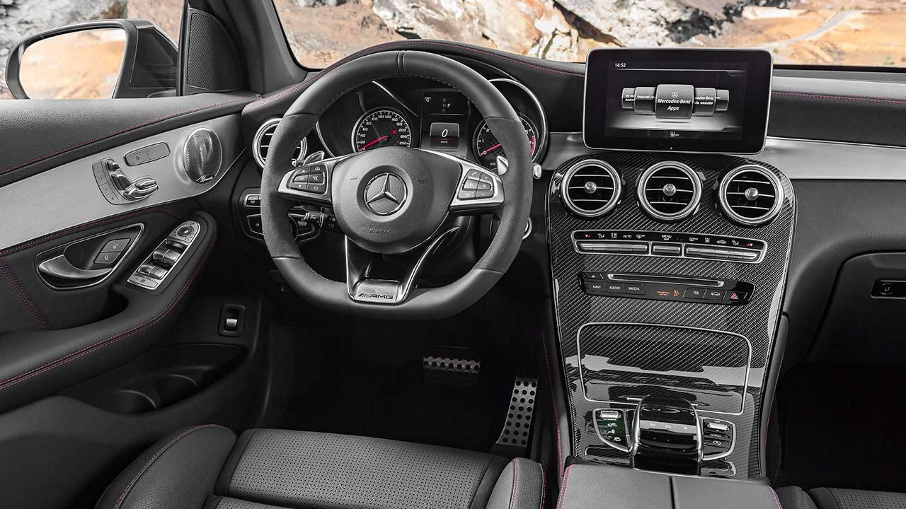Mercedes-AMG GLC 43 4MATIC SUV  - Cockpit