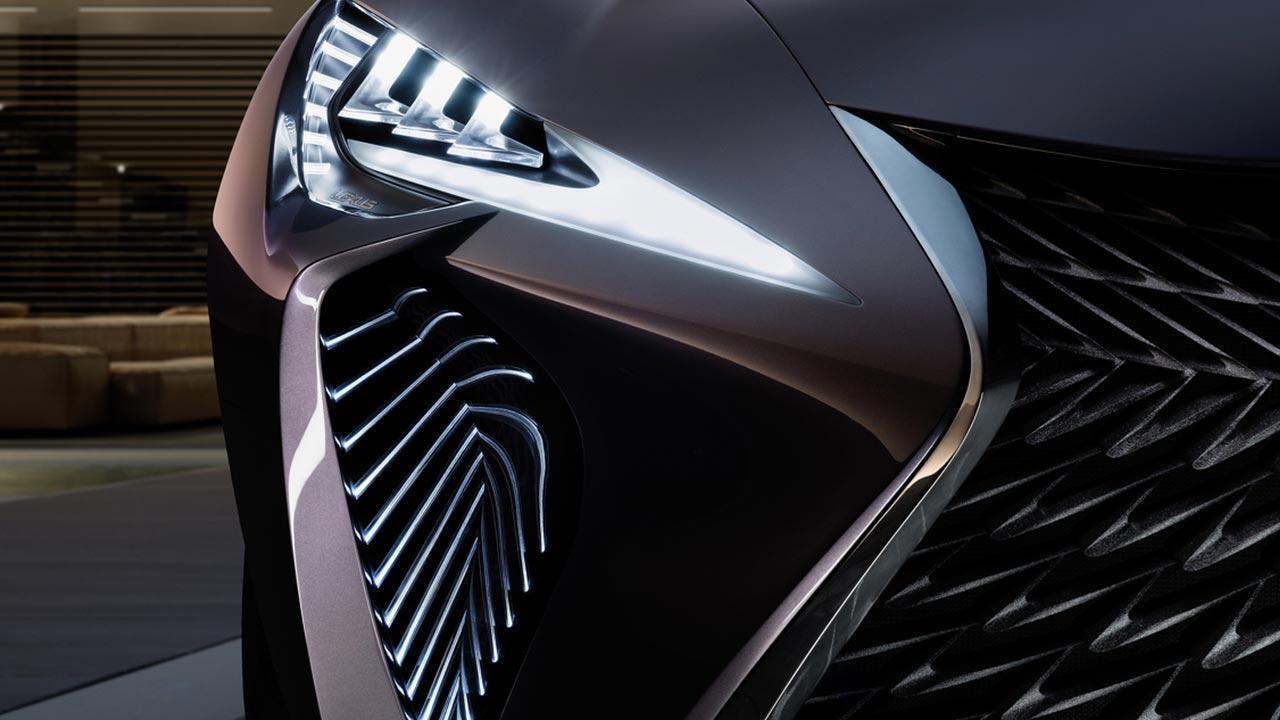 Lexus UX - Kühlergrill mit Scheinwerfer