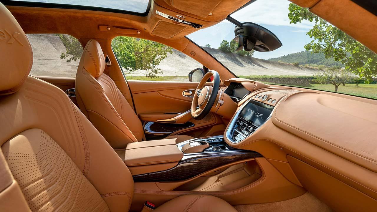 Aston Martin DBX - Cockpit