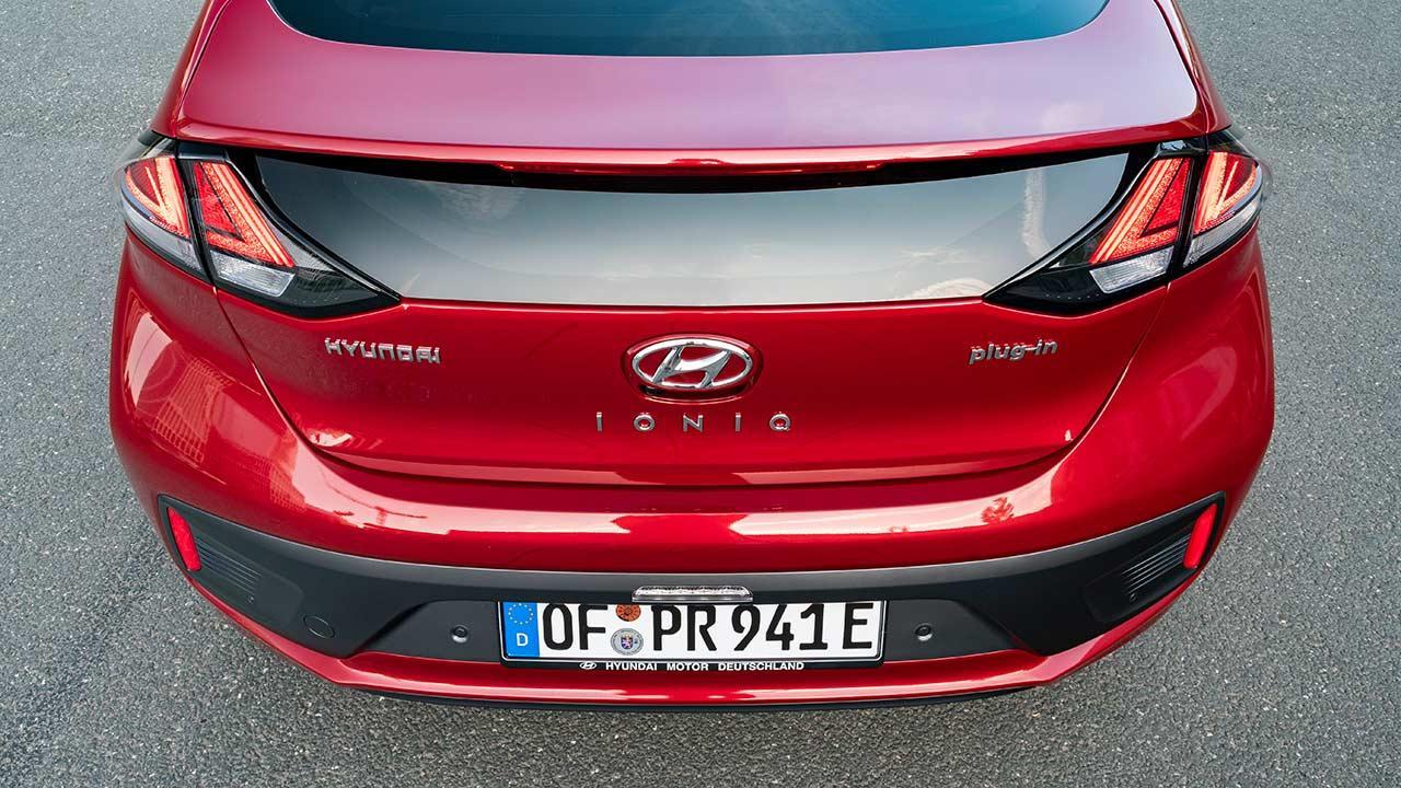 Hyundai IONIQ Plug-in-Hybrid - Heckansicht