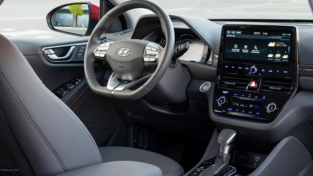 Hyundai IONIQ Plug-in-Hybrid - Cockpit