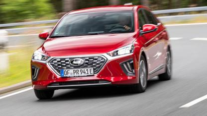 Hyundai IONIQ Plug-in-Hybrid - in voller Fahrt