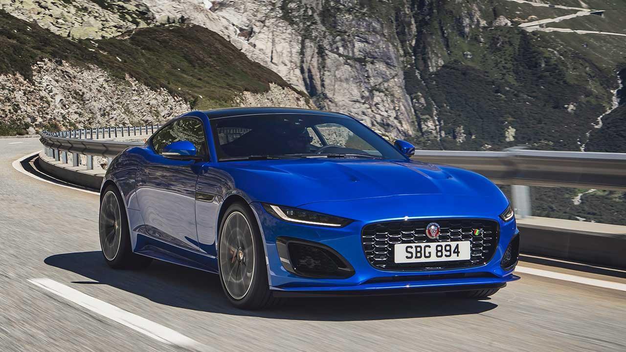 Jaguar F-Type R Coupe - über die Bergstrassen