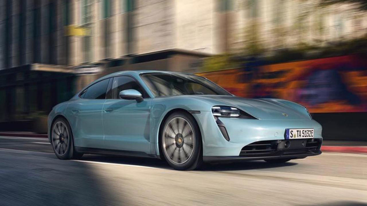 Porsche Taycan 4S - in voller Fahrt