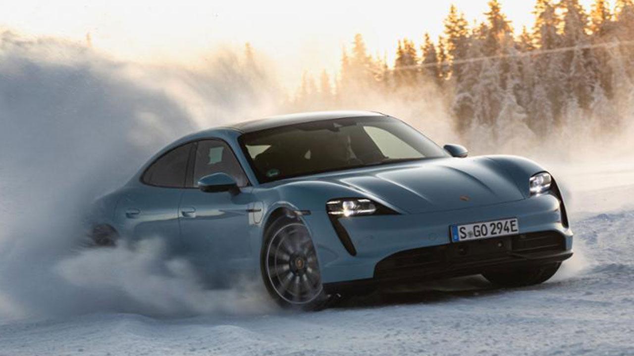 Porsche Taycan 4S - auf Eis