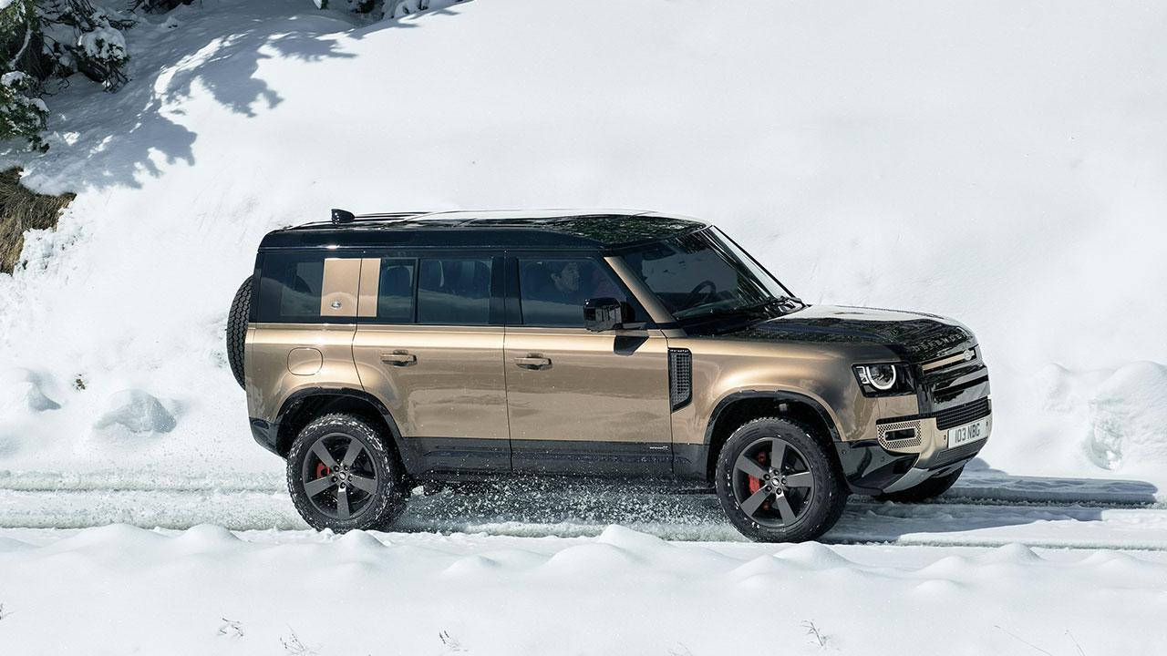 Land Rover Defender P400 - Seitenansicht