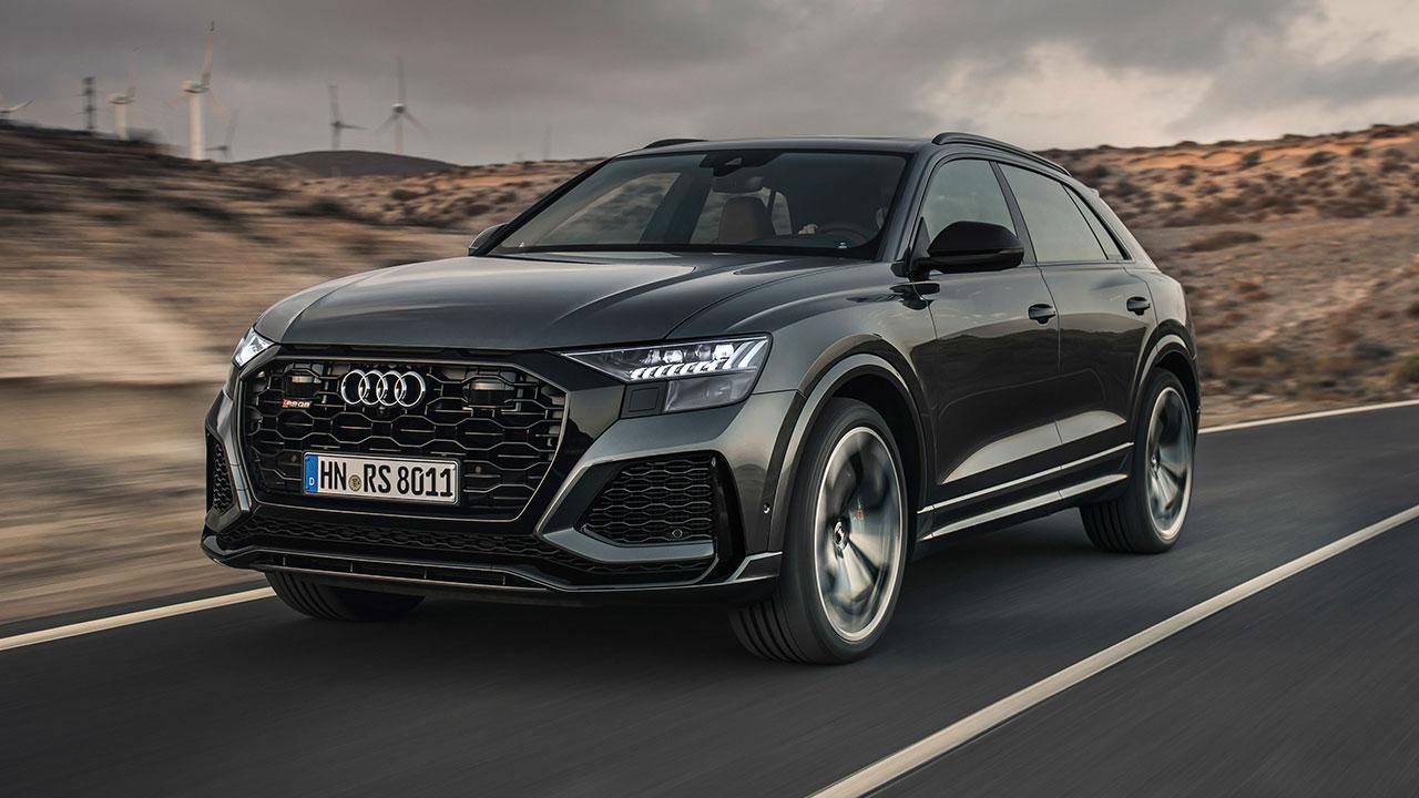 Audi RS Q8 - in voller Fahrt