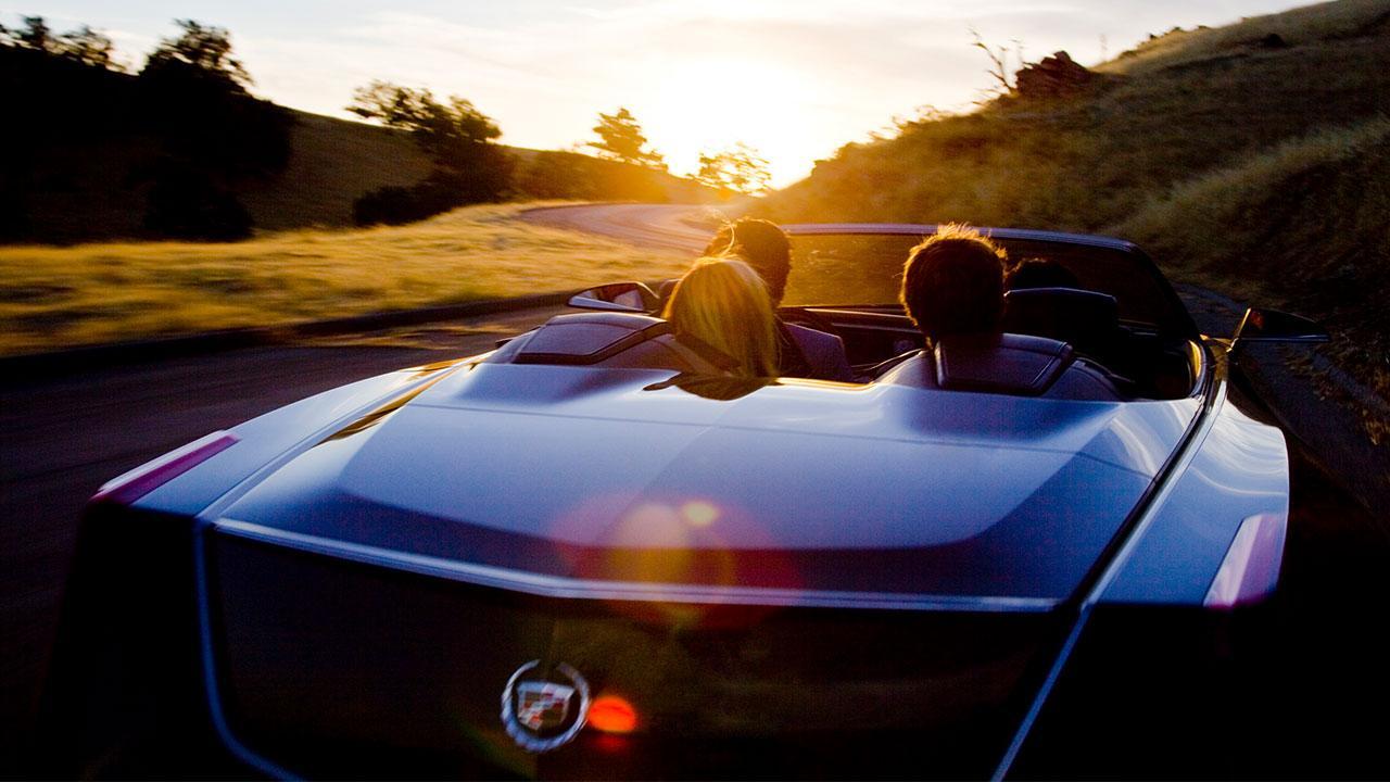 Cadillac Ciel - Traumhaft Zukünftiges Konzept - Heckansicht im offenem Verdeck