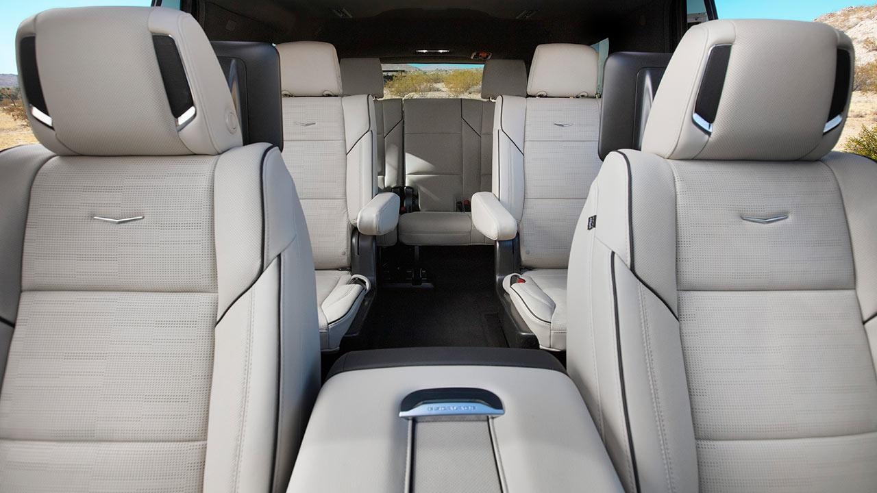 Cadillac Escalade 2021 - weiße Ledersitze