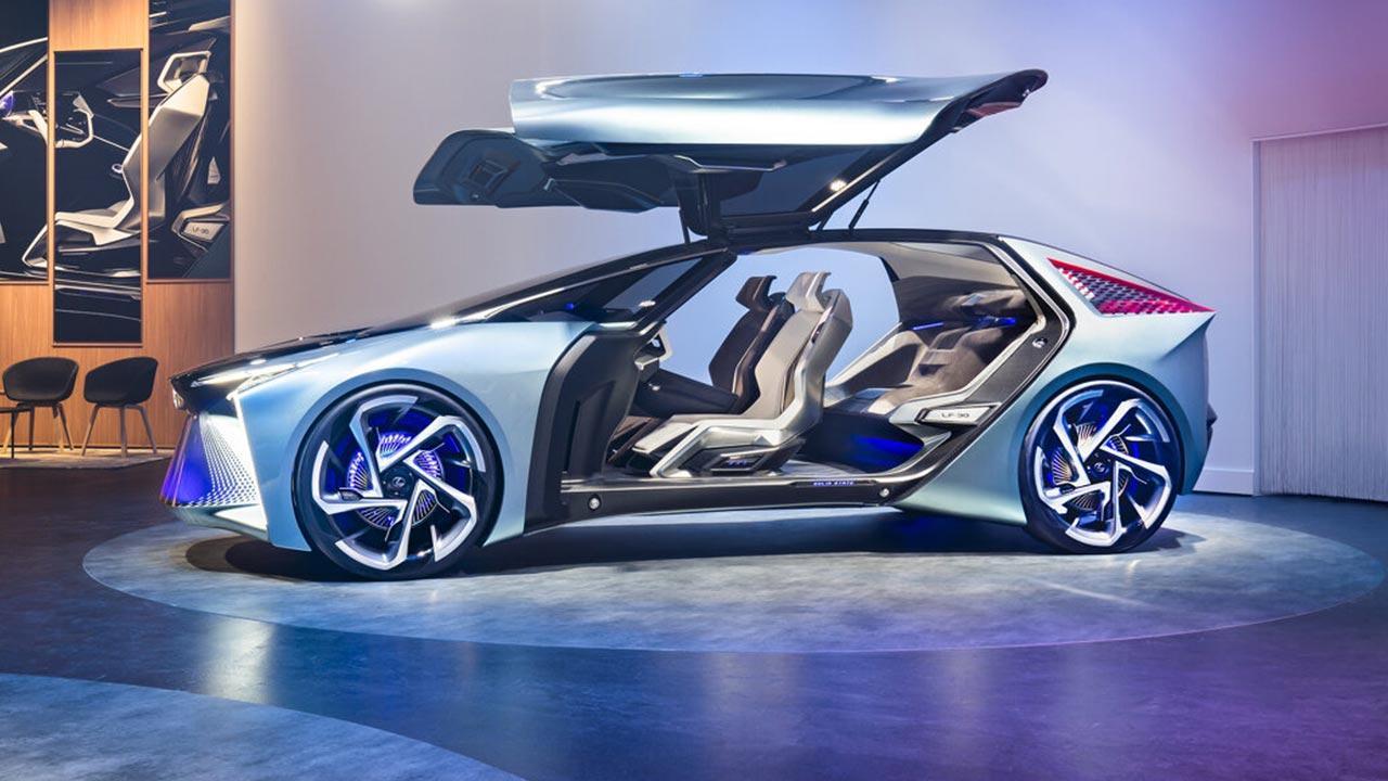 Lexus LF-30 Electrified Concept - Seitenansicht mit offenen Flügeltüren