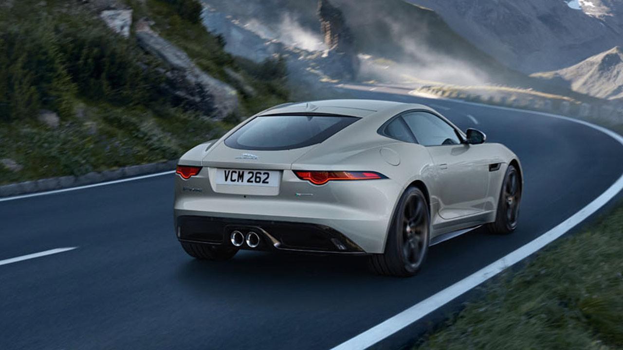 Jaguar F-Type R-Dynamic Limited Edition - Heckansicht mit geschlossenem Verdeck