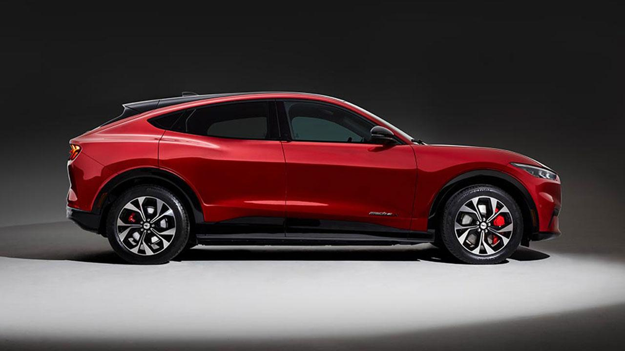 Ford Mustang Mach-E - Seitenansicht