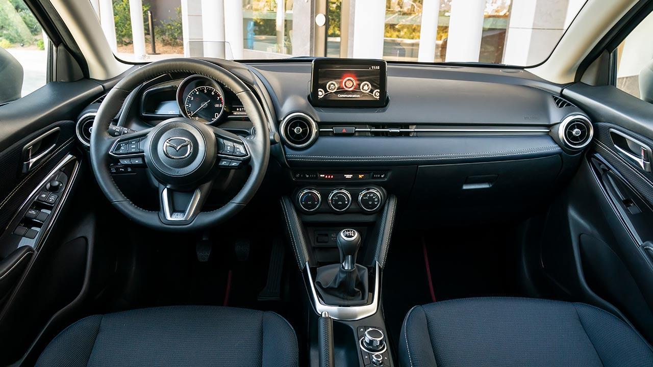 Mazda2 Skyactiv-G - Cockpit