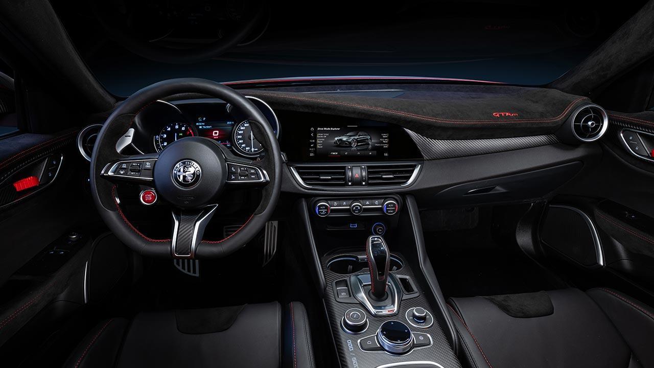 Alfa Romeo Giulia GTA - Cockpit