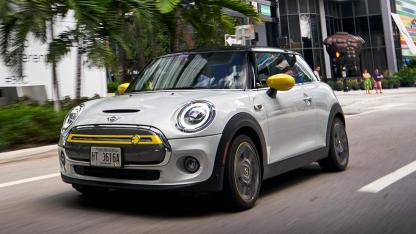 MINI Electric - in voller Fahrt