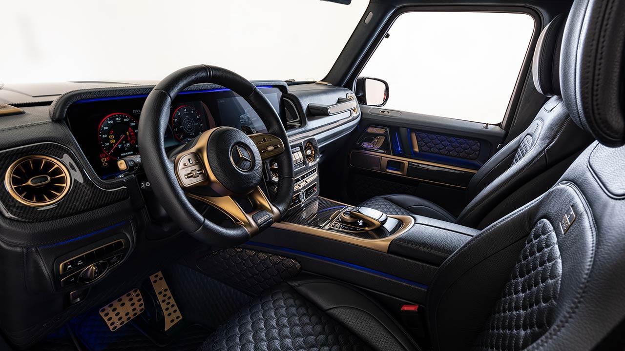 BRABUS 800 Black & Gold Edition - Cockpit