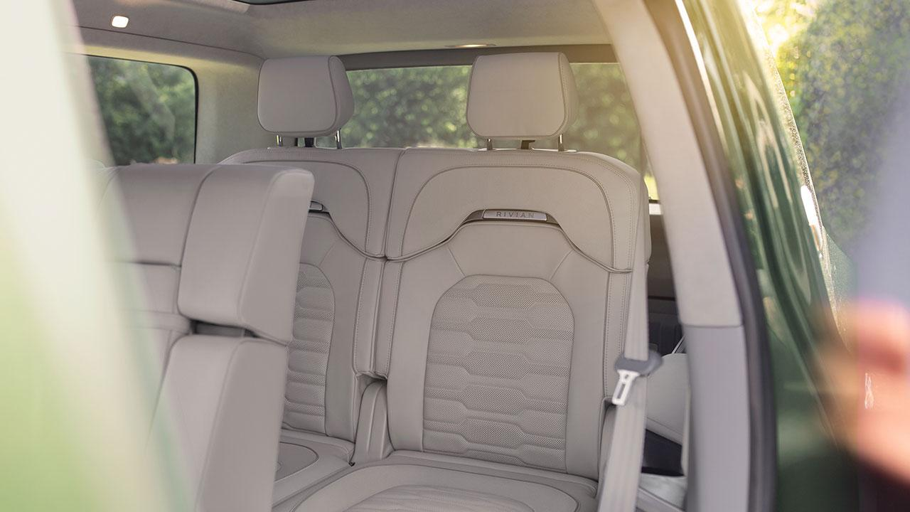 Rivian R1S - Rücksitze