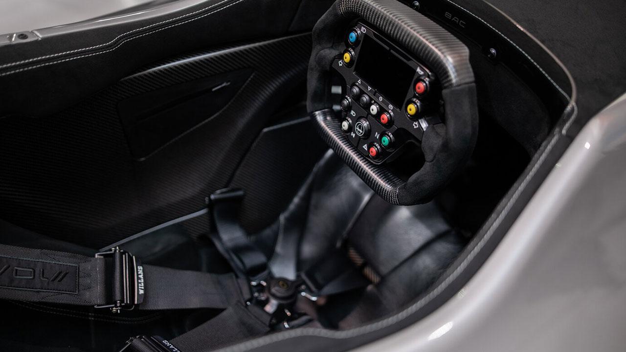 BAC Mono - Cockpit