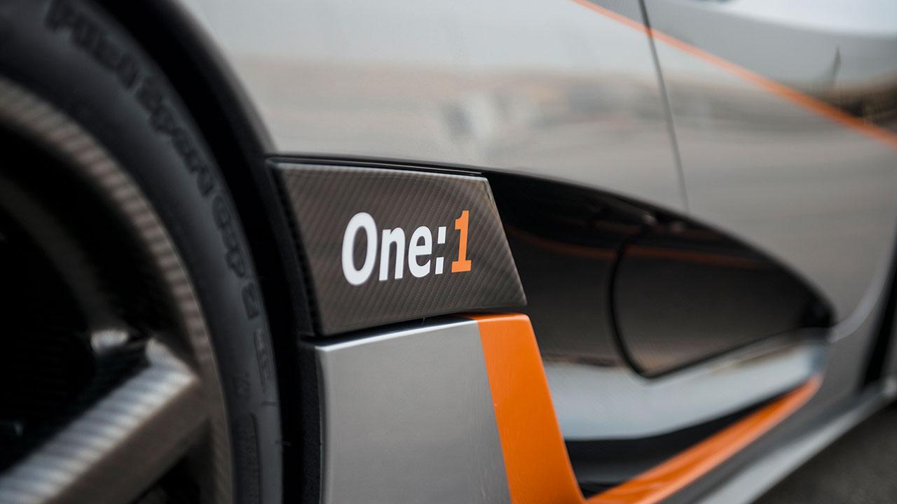 Koenigsegg One:1 - Schriftzug