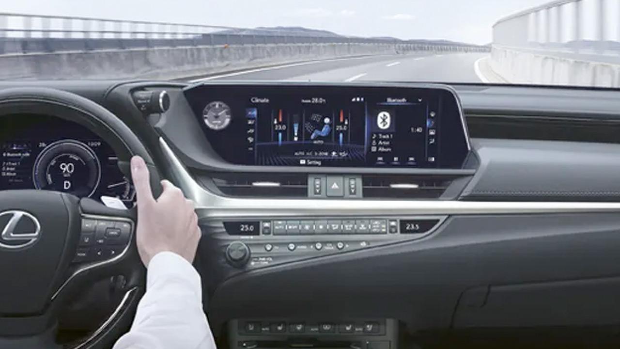 Lexus ES 300H - Cockpit