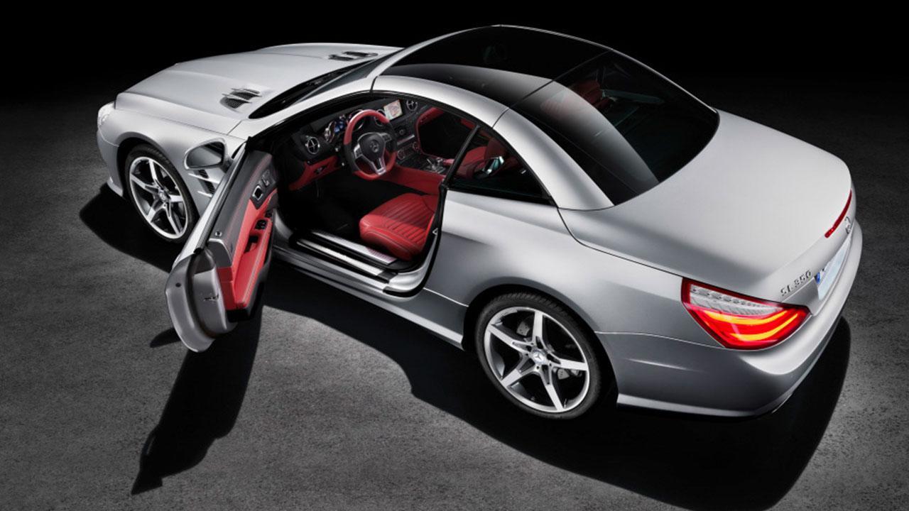Mercedes-Benz SL-Klasse - mit offener Tür