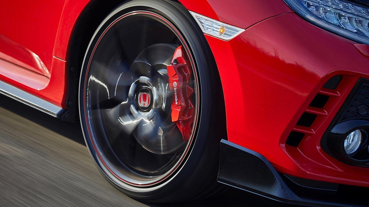 Honda Civic Type R - Reifen mit Bremsanlage