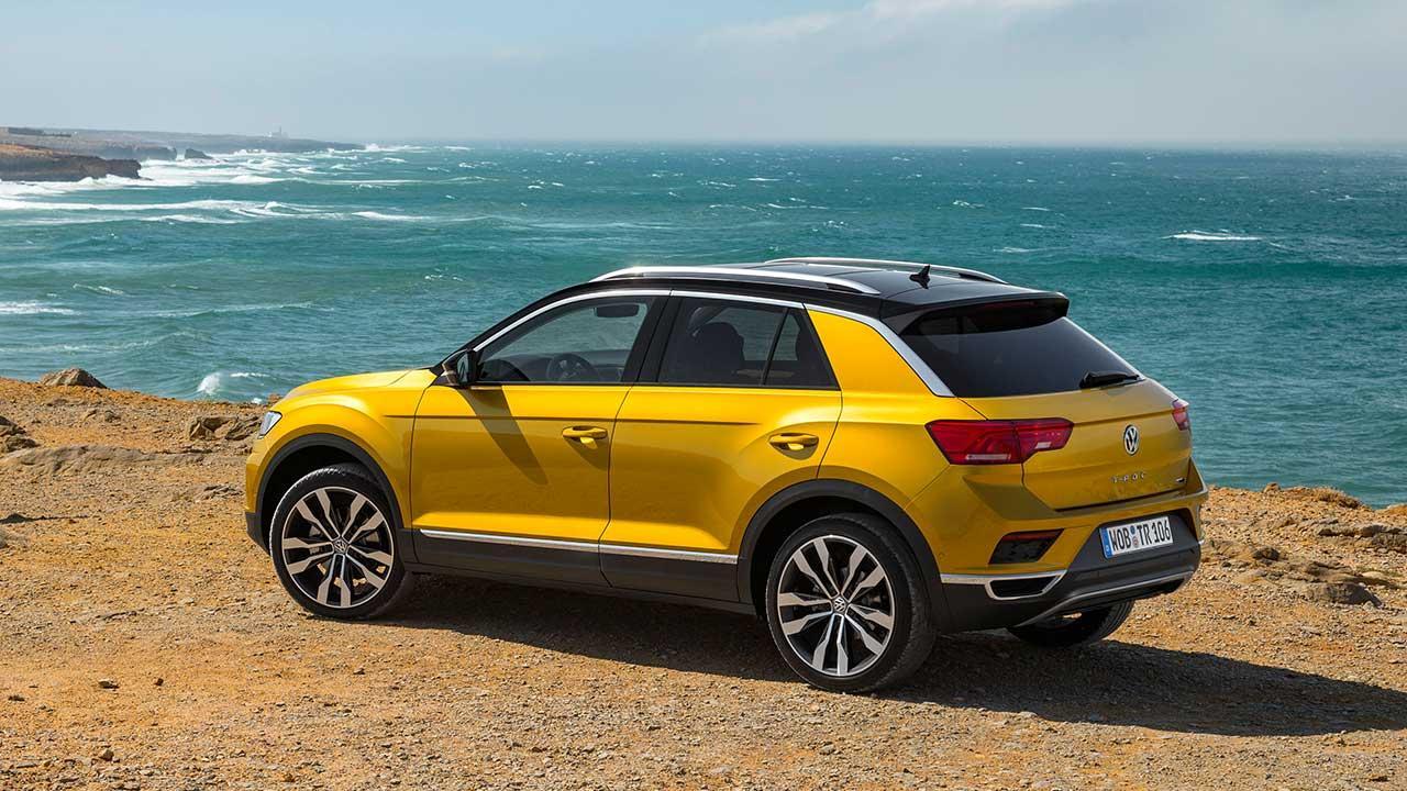 Volkswagen T-Roc - Seitenansicht am Strand