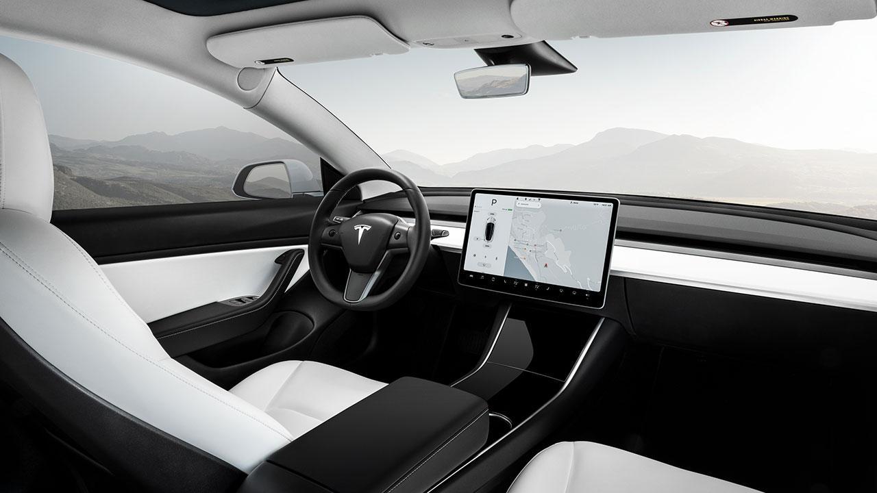 Tesla Model 3 - Cockpit
