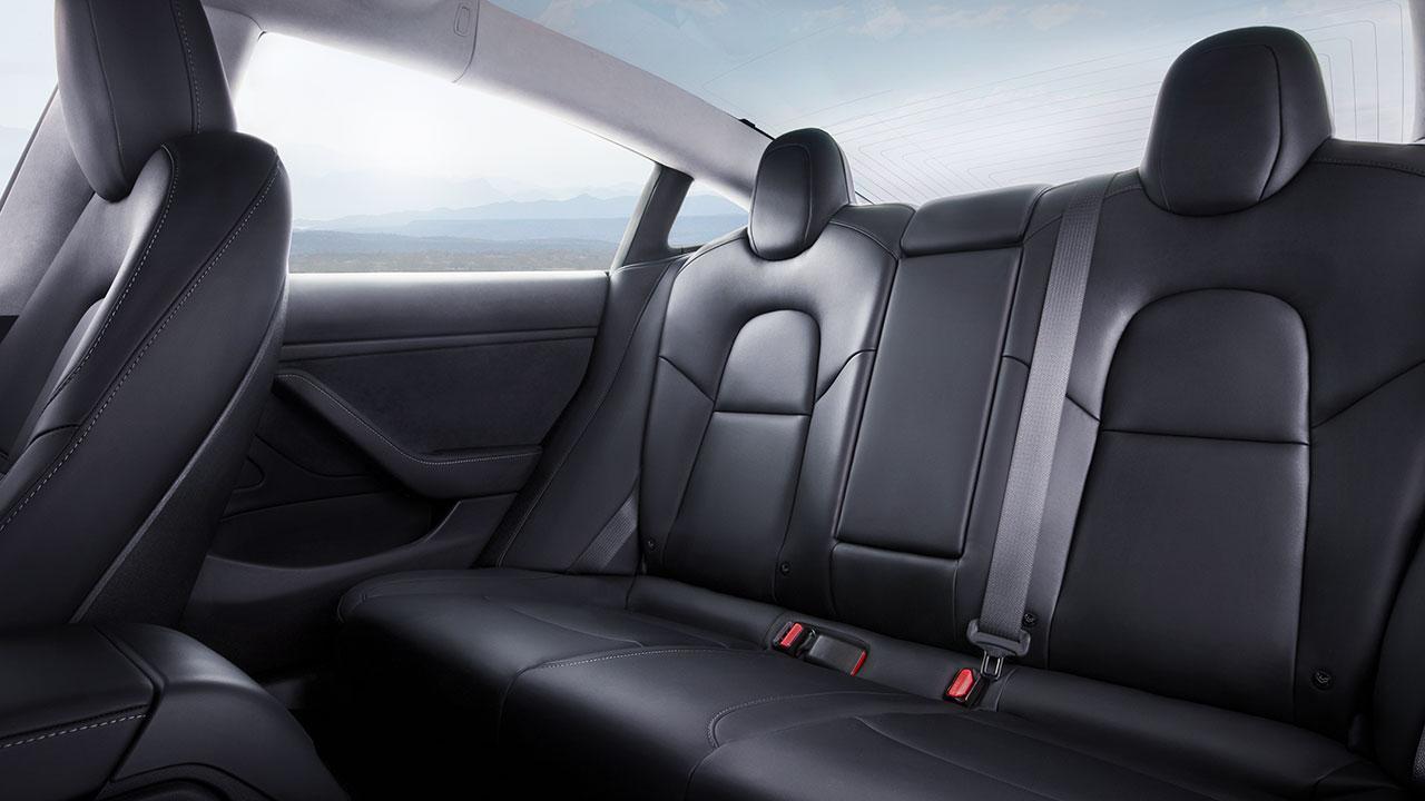 Tesla Model 3 - Rücksitze