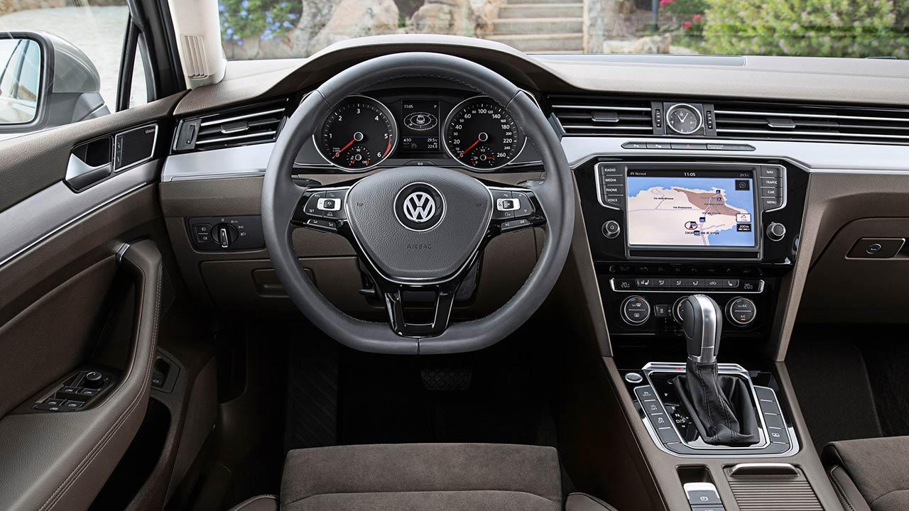 Volkswagen Passat - Cockpit